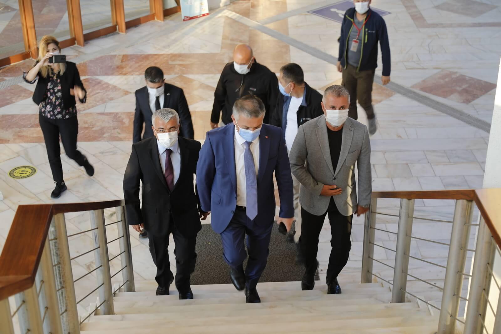 Vali Ersin Yazıcı Başkan Sözen'i ziyaret etti