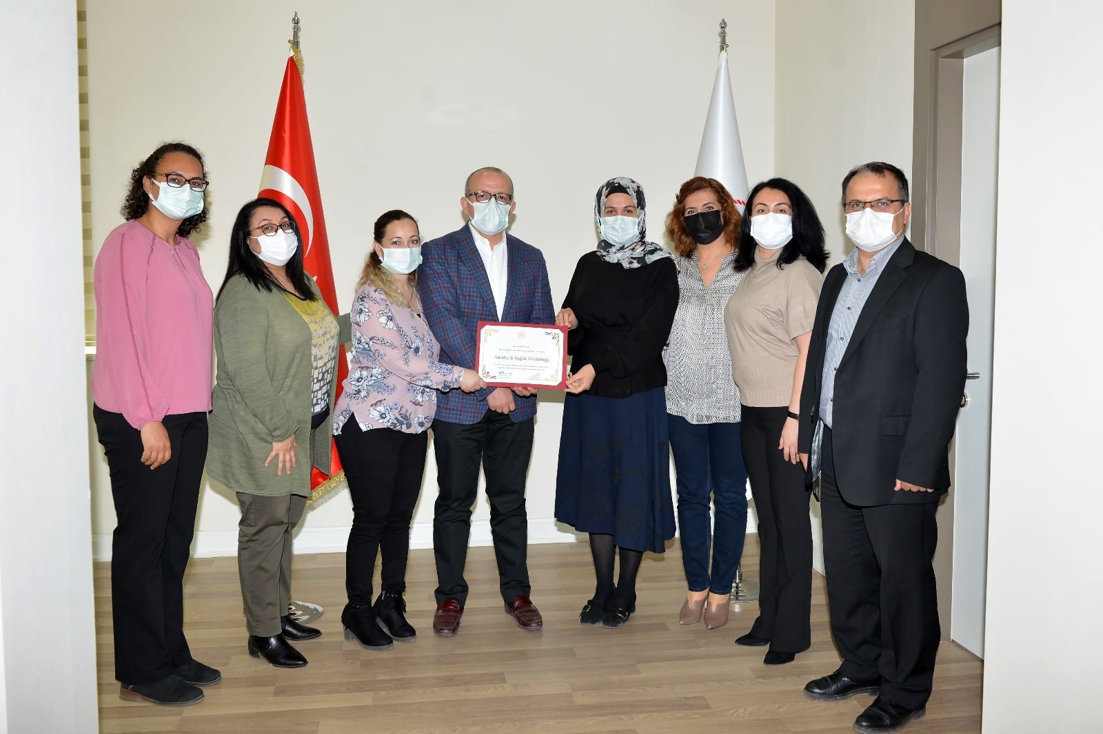 Antalya'ya serviks kanseri taramasında birincilik ödülü