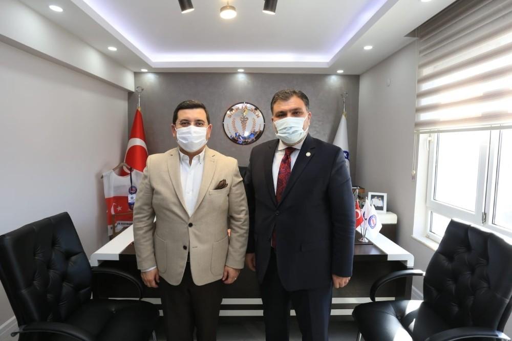 Başkan Tütüncü'den Sağlık-Sen'e taziye ziyareti