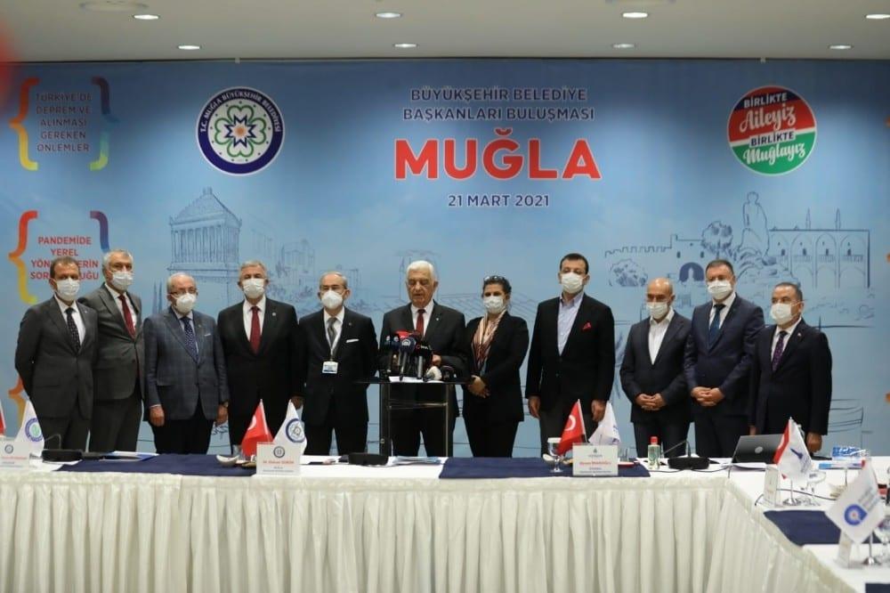 Büyükşehir başkanları toplantısında pandemi, deprem ve turizm konuşuldu