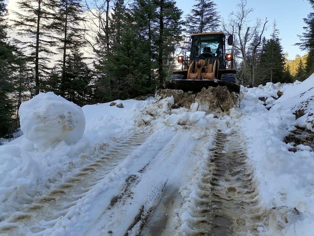 Karla mücadele çalışmaları sürüyor