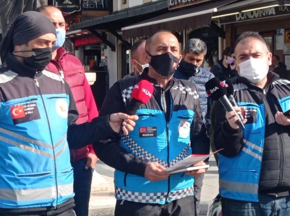 """Motosikletli kuryeler isyan etti: """"Ya teslim edeceksin ya öleceksin"""""""