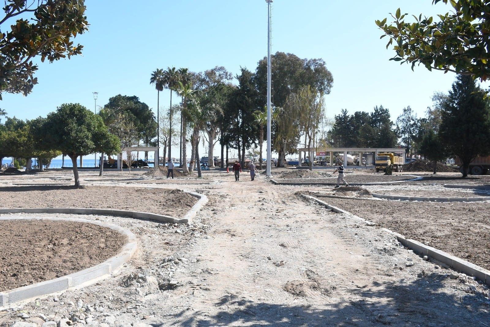 Mustafa Ertuğrul Aker Parkında düzenleme çalışmaları sürüyor