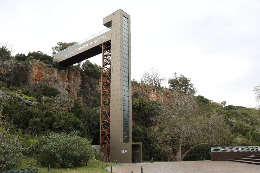 Panoramik asansörler bakımlarının ardından hizmette