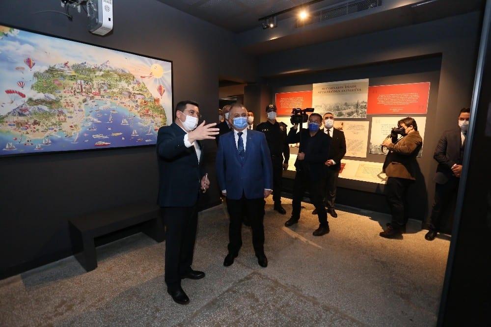Vali Yazıcı, Kepez'in kültür ve sanat adasını gezdi
