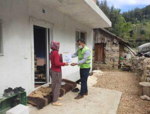 Antalya Büyükşehir gıda yardımına devam ediyor