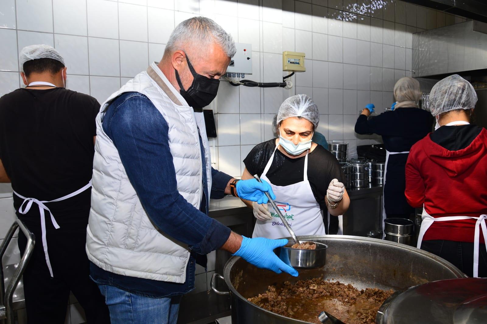 Ramazan'da günlük 1500 haneye sıcak yemek
